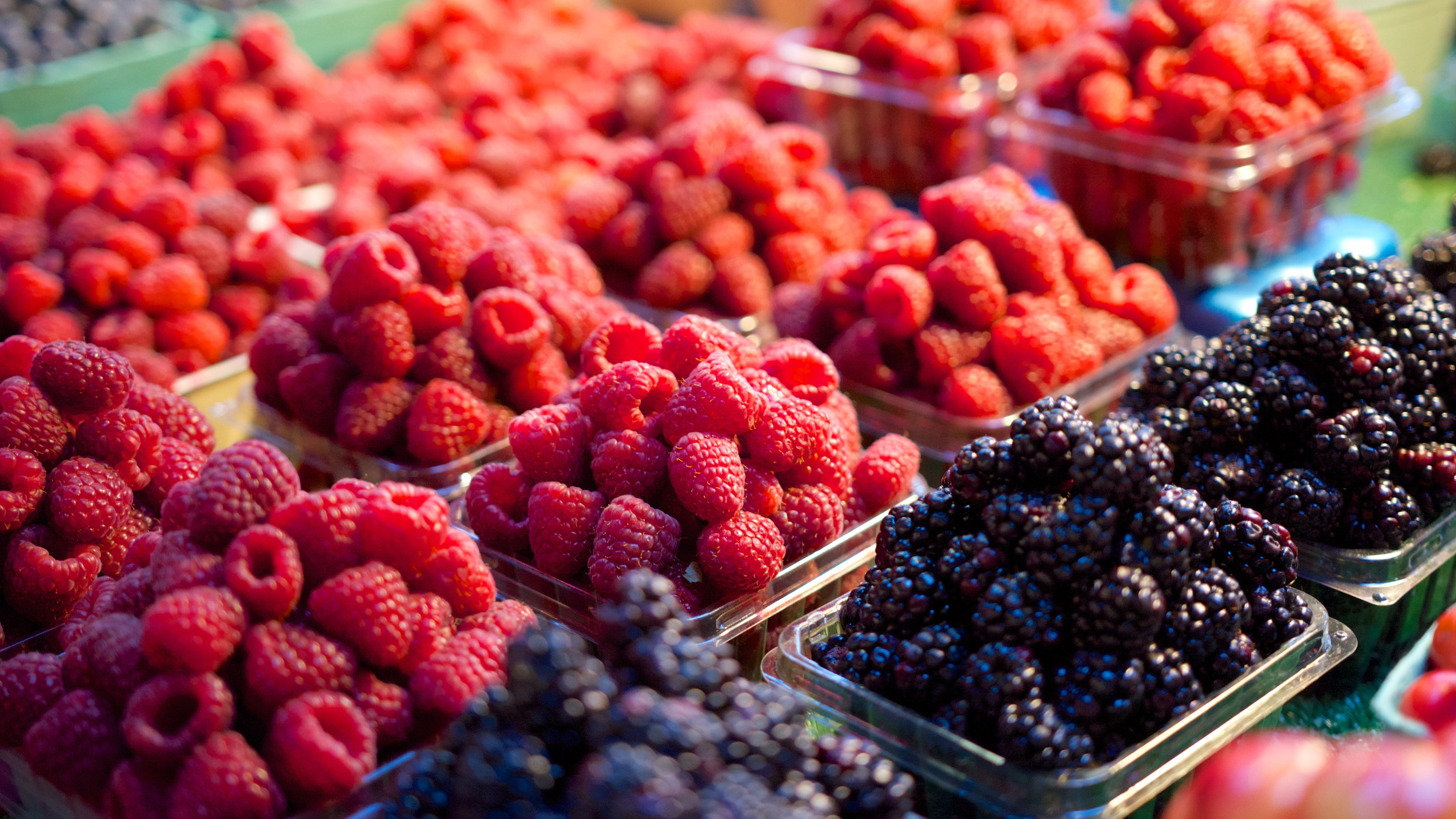 fresh market fruit makes an inexpensive summer treat. you can make homemade or semi-homemade pies, cobblers, and crisps.