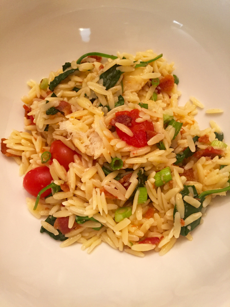 bacon tomato onion spinach parmesan orzo plated